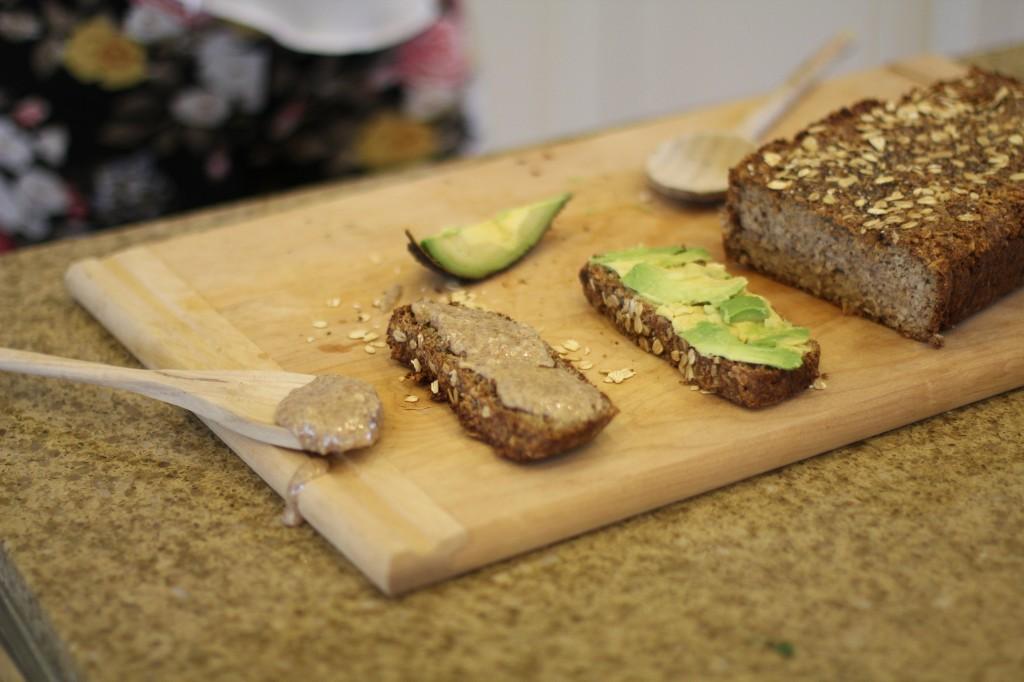 Pão de Nuts e Sementes com manteigas