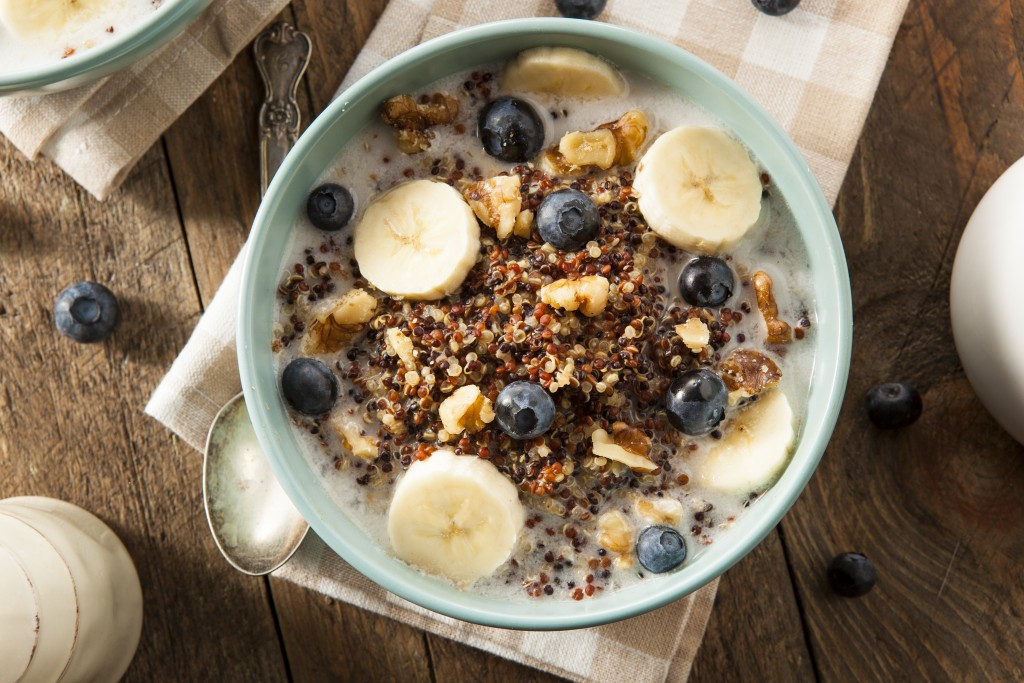 Breakfast with Quinoa bowl