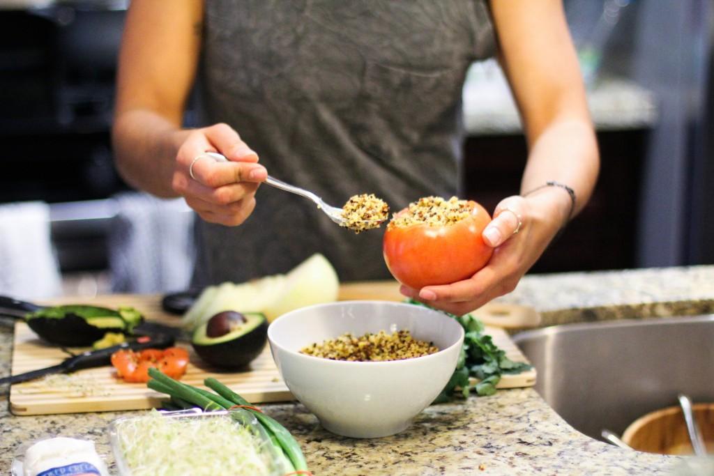 Tomate recheado de quinua